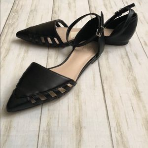 VS Pointed Toe Ankle Strap Flats